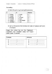 English Worksheet: First Day At school.9th form