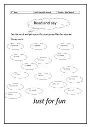 English Worksheet: a pronunciation game